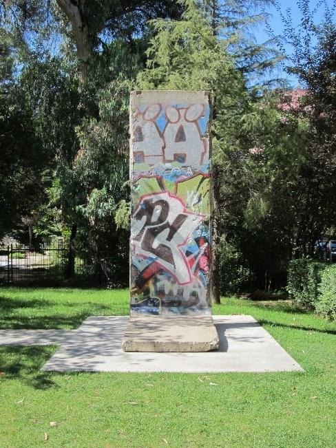 Berlin Wall, Tirana